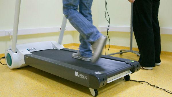 Беговые дорожки для физиотерапии в медицинском центре Эвексия