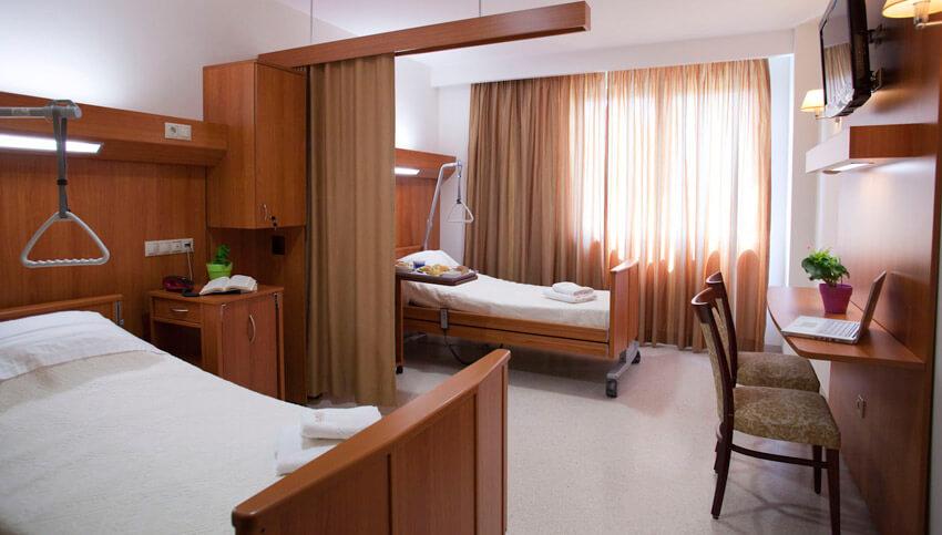 Полностью приспособленные комнаты для людей с ограниченными возможностями в медицинском центре Эвексия